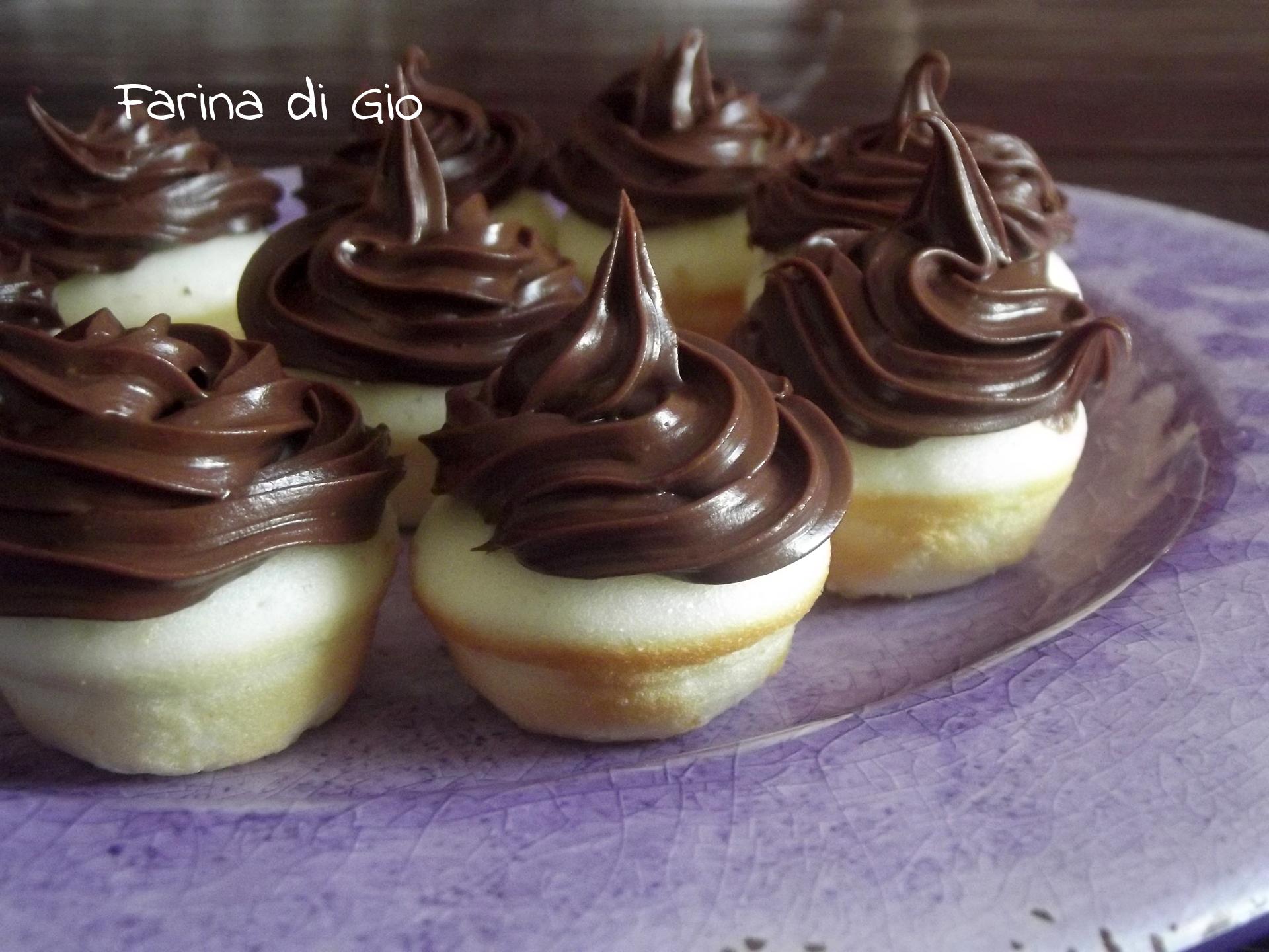 Cupcakes senza glutine con la macchina per cupcakes